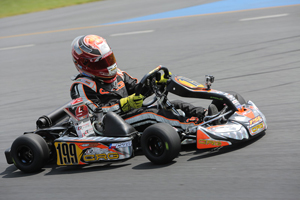 Parker Chase moved up through the field and also scored a top-ten result in the Mini Max final (Photo credit: Ken Johnson - Studio52.us)