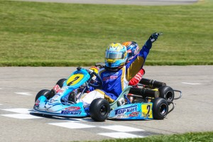 Zach Holden topped the blocks in Komet Sportsman (photo: Sean Buur - Go Racing Magazine)