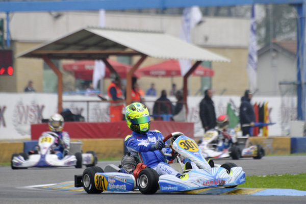 Alessio Lorandi leading one of the heat races at 7 Laghi Crcuit (press.net images)
