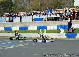 Dylan Tavella held off Sam Mayer for the Mini Rok Cadet win (Photo: DavidLeePhoto.com)