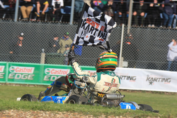 Zane Morse celebrating his win in the KF3 class (Photo: Coopers Photography)
