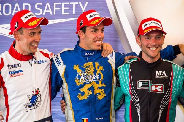 Jonathan Thonon stands between point leader Dreezen (left) and Lammers (right) (Photo: Wafe Project)