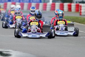 Kakunoshin Ota (547) leads the pack in the CIK-FIA Karting Academy Trophy (Photo: Cuna Photo)