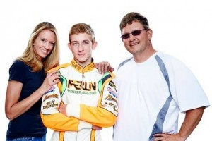 Brandon with mom Sharon and dad Bill (Photo: TruTV)