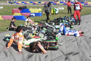 Top-five teams resting after the 200-lap event (Photo: EKN)
