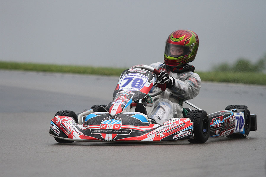 Colin Neal led the entire Yamaha Junior main event for his second of the season (Photo: EKN)